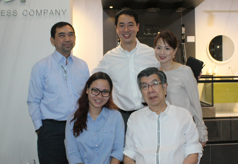 Ayala Land Inc. Manny Illana & Liezl Niegas with Dexterton Team, Pres. & Gen. Mngr. Simpson Ong, Michael & Jacqueline So