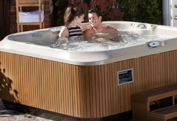 Jacuzzi Outdoor Spas